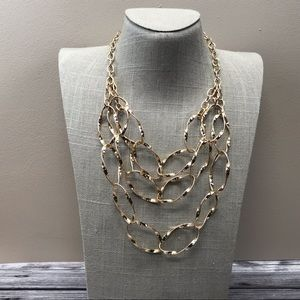 Jewelry - Gold tone oval link statement necklace